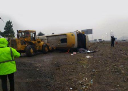 یک کشته و ۲۲ مصدوم حاصل واژگونی اتوبوس در اتوبان کرج-قزوین