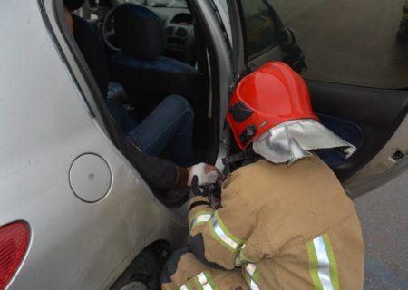 واژگونی خودرو در کرج یک مصدوم بر جای گذاشت