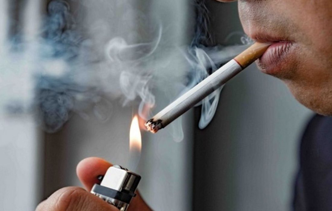 استعمال دخانیات در اماکن عمومی ممنوع است