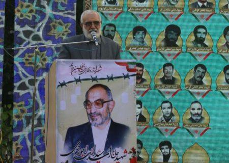 شعار «هیهات منا الذله» شهید لاجوردی را در مقابل شکنجه های ساواک مقاوم تر می کرد